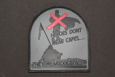 "3DRubber Patch:""HEROES DON'T WEAR CAPES"""