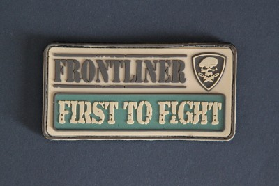 """FIRST TO FIGHT"" aus der berühmten ""FRONTLINER - Collection"""
