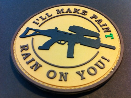 "3DRubber Patch:""I'LL MAKE PAINT RAIN ON YOU"" beige"