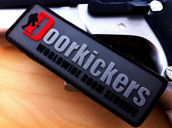 "3D Rubber MORALE PATCH:""DOORKICKERS CREW"" schmal, nightcamo"